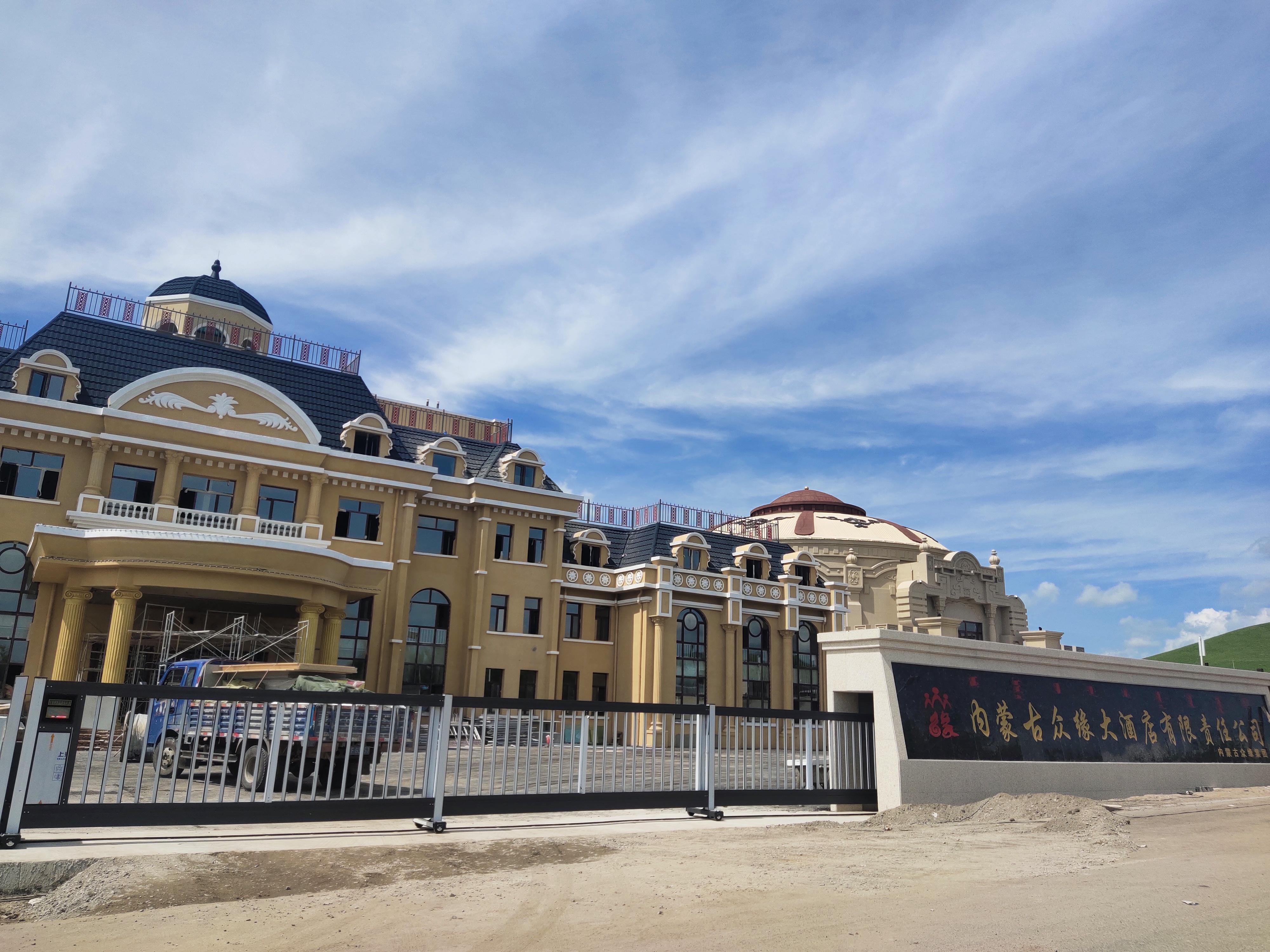 永特佳尔分段门案例,内蒙古分段门厂家